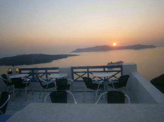 Scirocco Apartments: lovely sunset