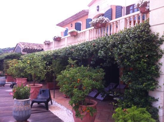 Bastide Sainte Anne : terrasse de notre suite.