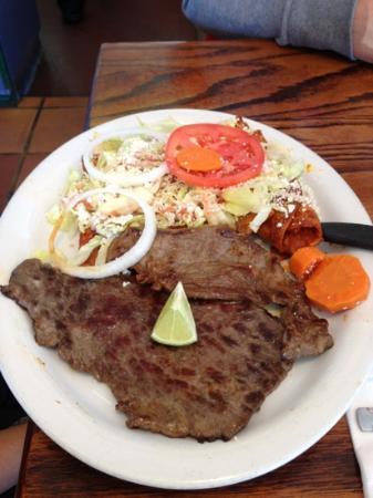 La Tarasca: Steak enchilada plate