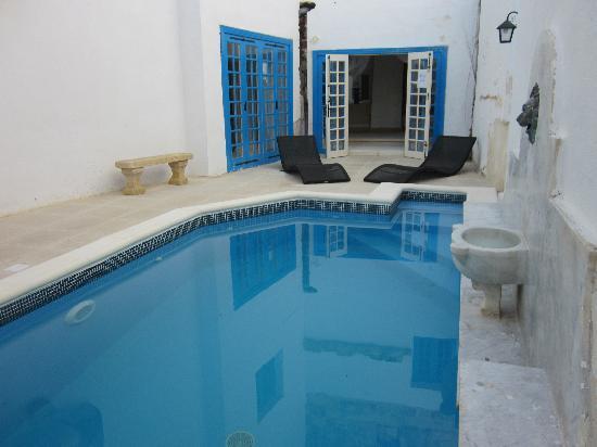Chapel 5 Palazzo Suites B&B: pool