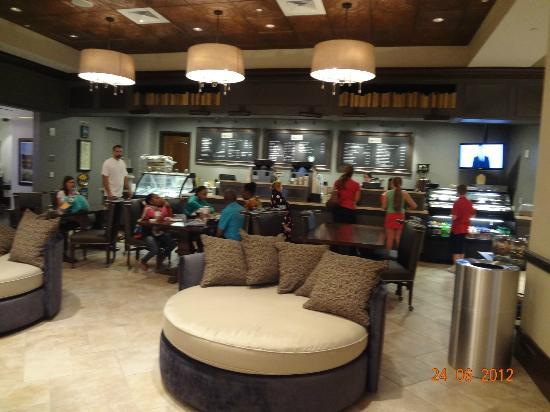 Wyndham Grand Orlando Resort Bonnet Creek: Starbucks available in the hotel!