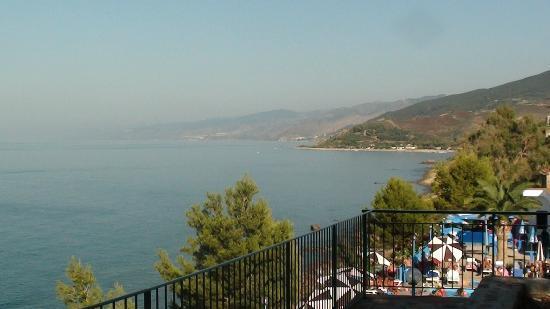 Rais Gerbi Camping Village: panorama dalla piscina