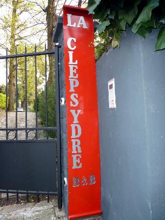 La Clepsydre : entrance- look for this sign