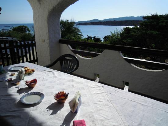 B&B Cala Peticchia: La terrazza delle colazioni