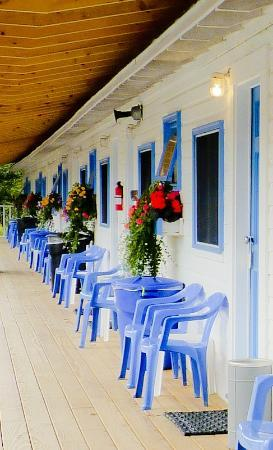 Belle Isle Motel: New porch