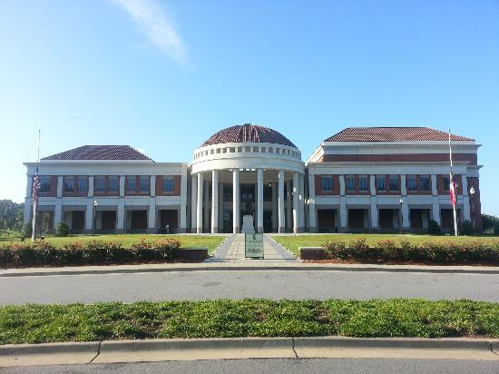 National Infantry Museum and Soldier Center : Museum form the front