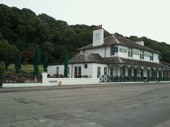 North Kessock Hotel: front of hotel from bus stopo