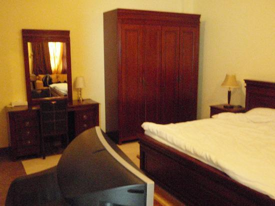 Le Mirage Sharq: room view