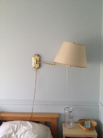 Clegg's Hotel: wobbly lamp