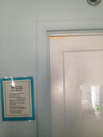 Clegg's Hotel: gap in our room door to hallway.