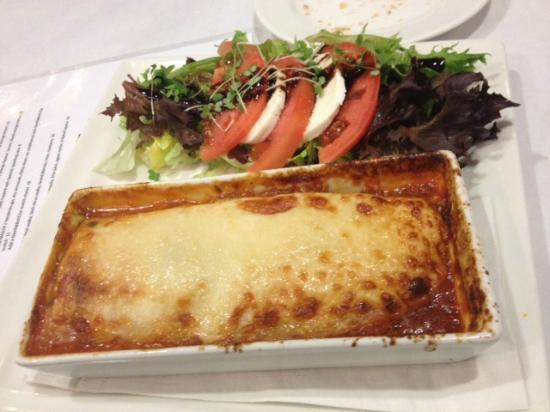 Elle's Global Food & Drink: Oxtail Lasagna!  Yummy!