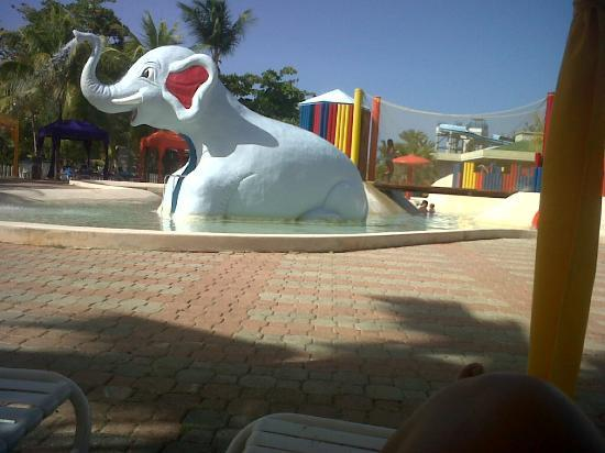 Laguna Mar: kids pool area