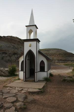 Drumheller's Little Church: littlest church