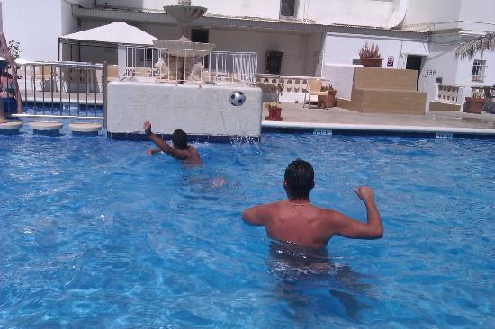 Arcomar Apartments : pool