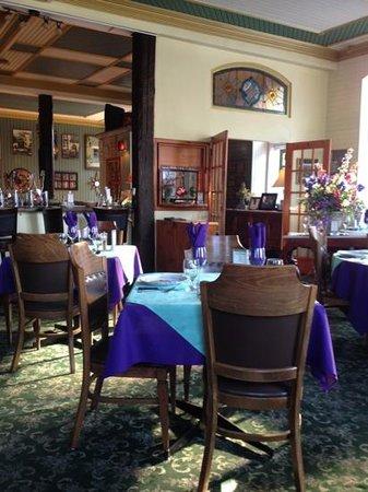Baldachin Dining Lounge