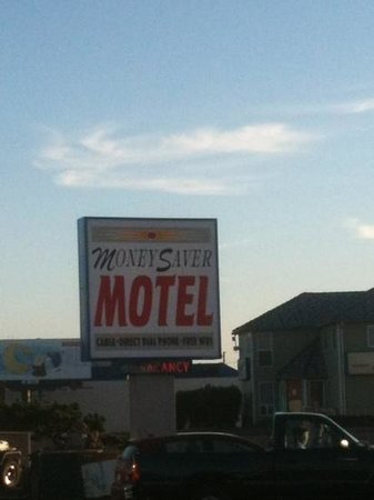Money Saver Motel: yeah ha not!!