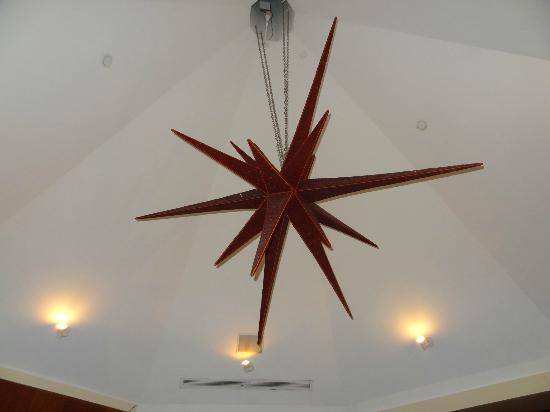 Las Vegas Cuban Cuisine : Light fixture in the Restaurant