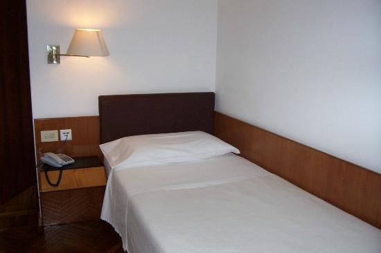 Hotel Adria: Single Bed