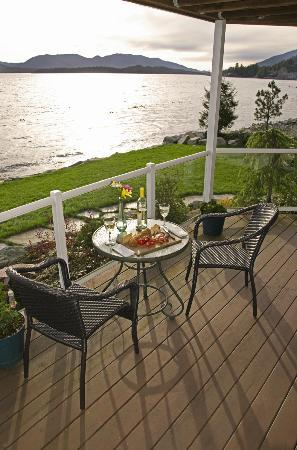 Anchor Inn by the Sea: The deck of the Orca Suite is perfect for an evening meal for two.