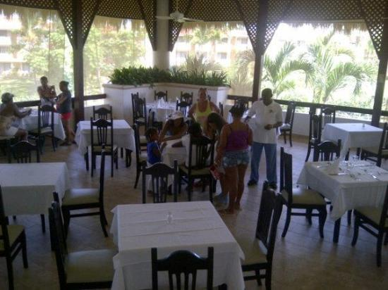 Viva Wyndham Dominicus Palace: The Restaurant