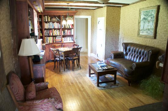 Sugar Hill Inn: Library