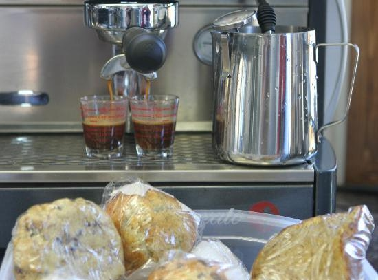SummitView Coffee: Espresso and a Muffin?