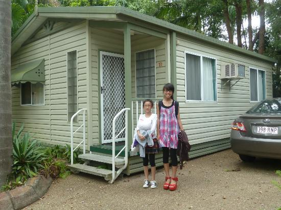 Ashmore Palms Holiday Village: Our cabin