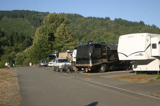 On the Chetco River - Review of AtRivers Edge RV Resort, Brookings