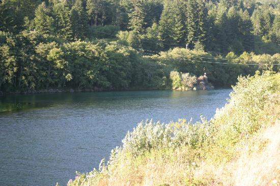 AtRivers Edge RV Resort: The Chetco River