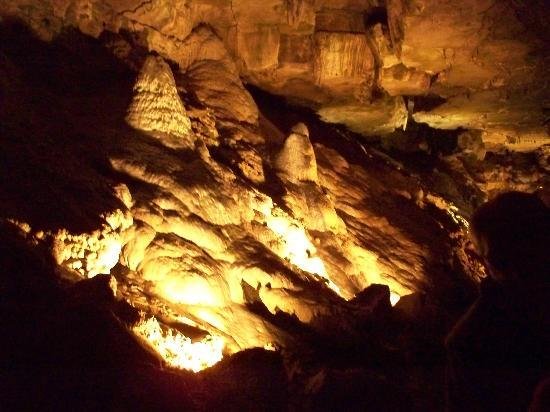 Formation at Howe Caverns
