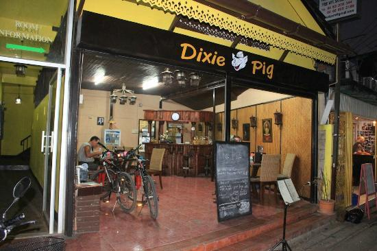 Dixie Pig Guest House: Entrance