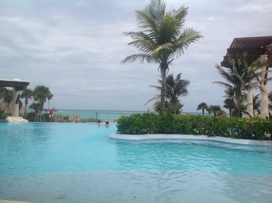 Kore Tulum Retreat and Spa Resort: infiniti pool