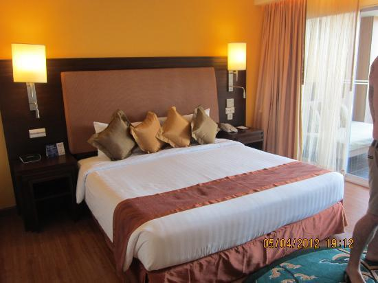 Pullman Phuket Panwa Beach Resort: King Bed in Delux Sea View Room