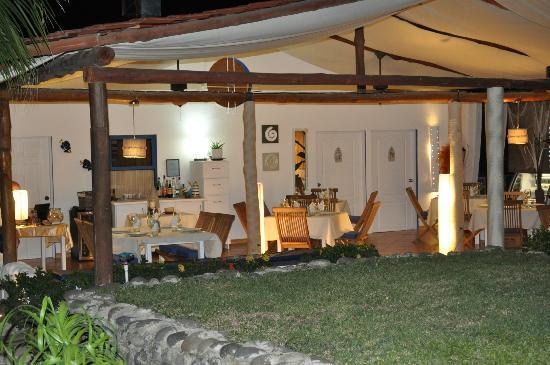 Villa Italia: nuovo look visto da fuori
