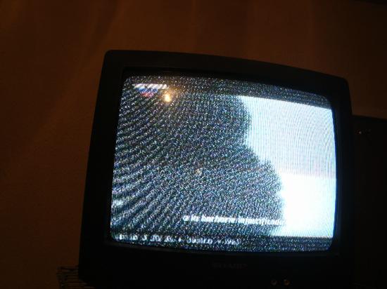 Nevada Palace : sin cable y un tv de 12mpulgadas o 5 la verdad ni podia ni ver de lo chikito q era