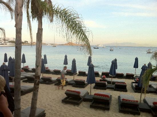 Grecotel Mykonos Blu Hotel: Beach Area