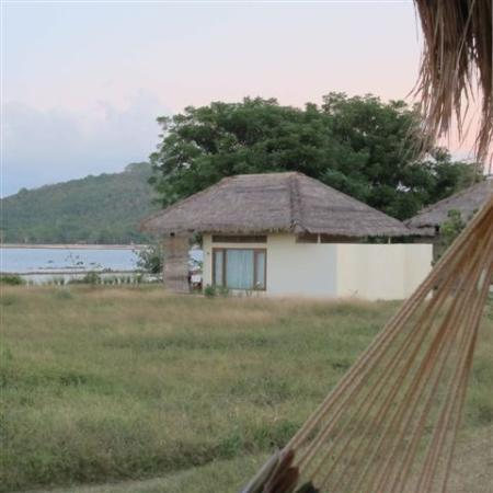 Pearl Beach Resort: beach bungalow