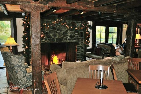 Ski Tip Lodge: The lodge has wonderful rustic public areas