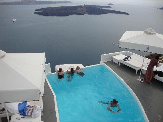 Chromata Hotel: Infintiy Pool