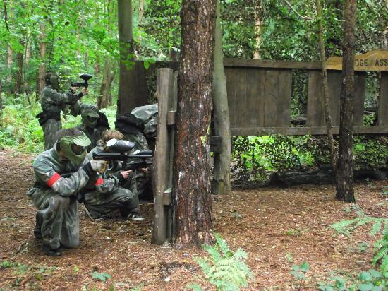 Top Dog Paintball Ltd: Reds holding the Bridge