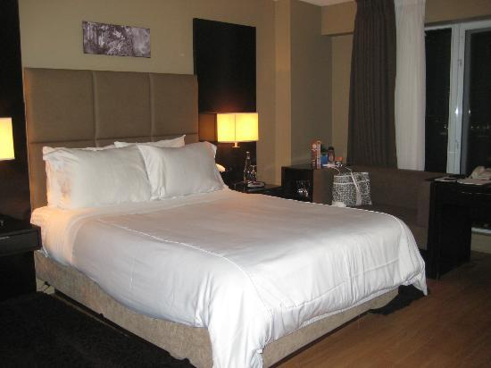 Pantages Hotel Toronto Centre: Comfy bed