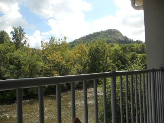 Best Western Plus River Escape Inn & Suites : View from balcony suite 317
