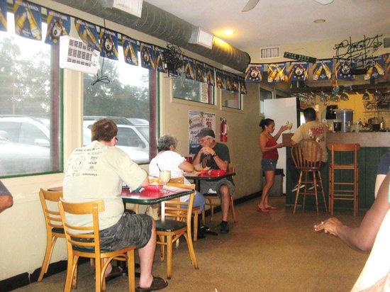 Enchiladas Y Mas: dining & bar