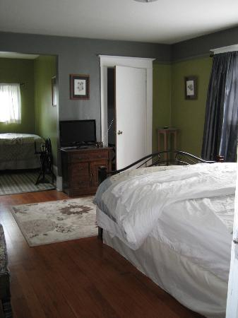 Cherokee Rose Inn: Room
