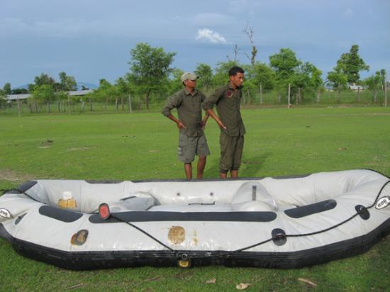 Nature Safari Resort & Lodge: the drafting boat from the lodge