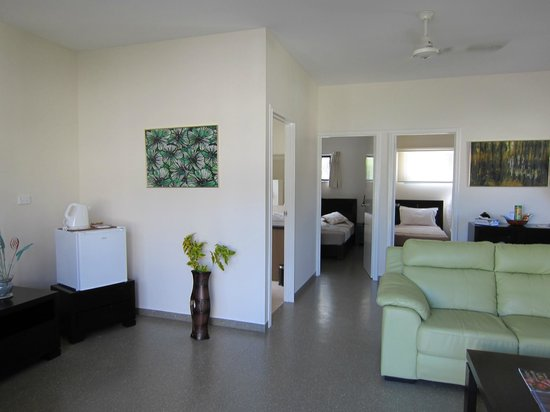 Aquana Beach Resort: Interior view of Aquana cabin