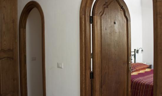 Positano B&B: entrance rooms1-2