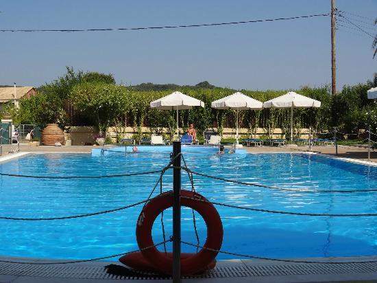 Alkyon Apartments & Villas Hotel: pool 2