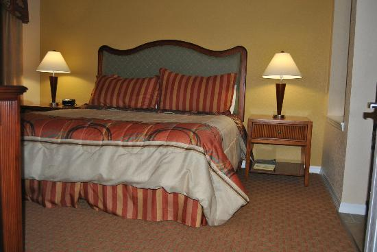 Vacation Village at Parkway: the bed