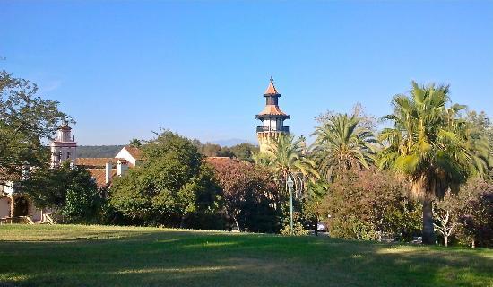 La Almoraima: vistas del hotel desde la piscina